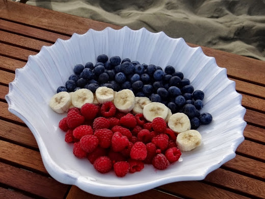 Seashell Bowl with fruit